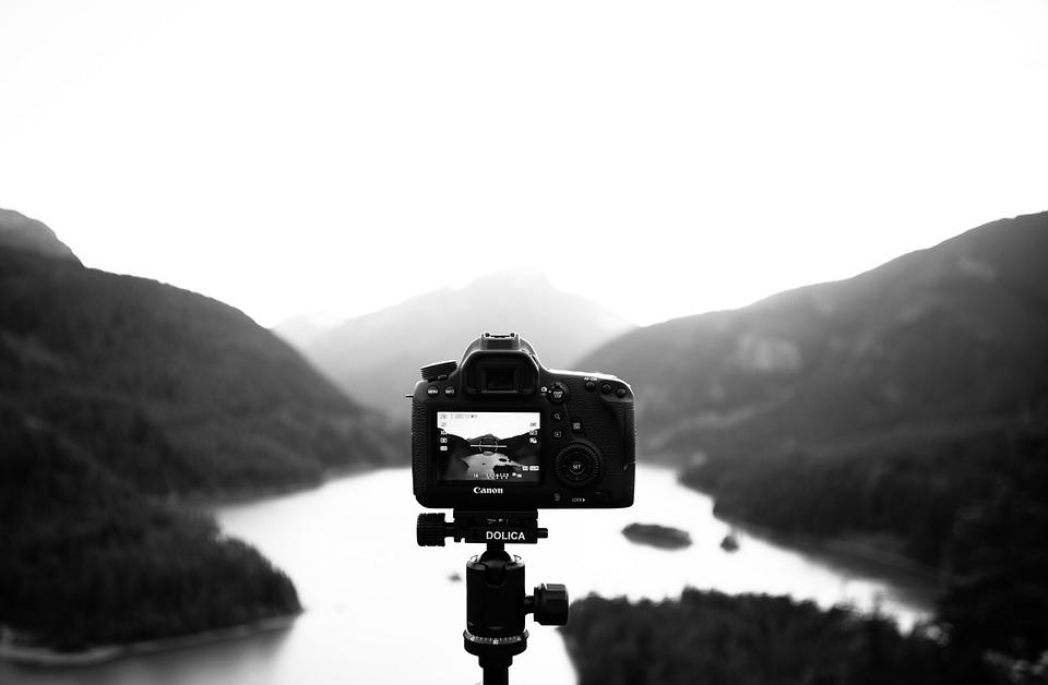 ¿Qué dice la ley sobre los derechos de imagen en Internet?
