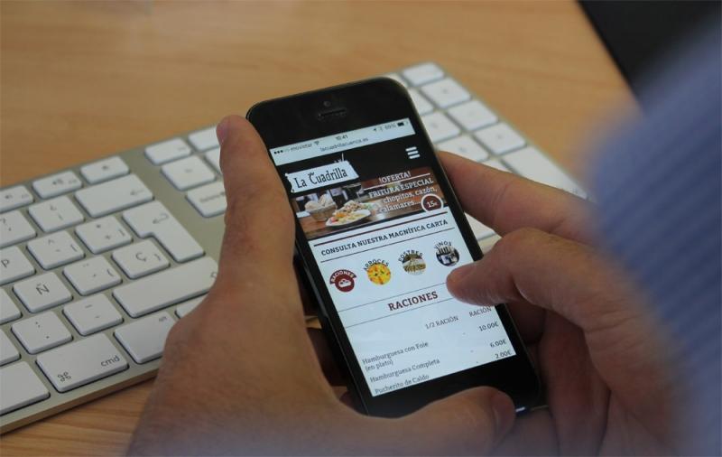 ¿Está tu web adaptada a dispositivos móviles?